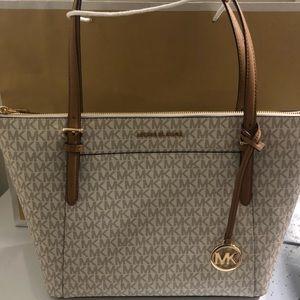 Michael Kors vanilla bag. Never used.